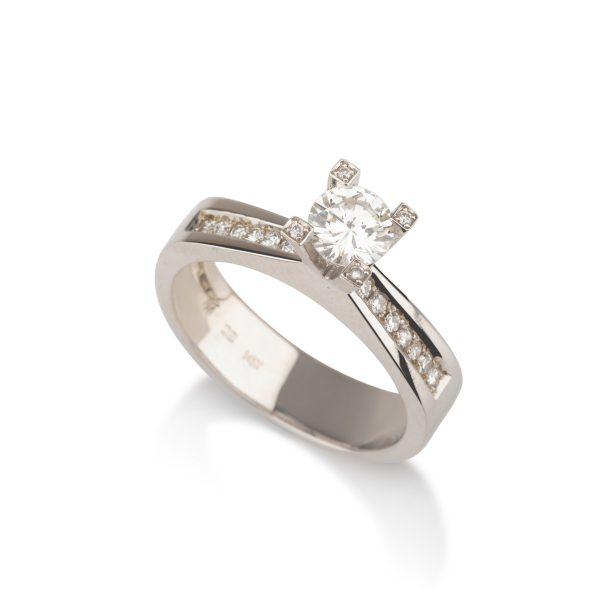 טבעת אירוסין סוליטר יהלום