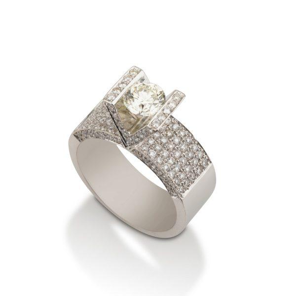 טבעת אירוסין סוליטר יהלומים